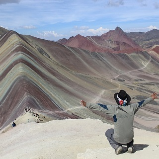 vinicunca-rainbow mountain - cusco